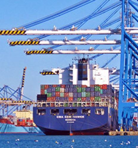 La réduction des émissions de soufre dans le transport maritime : un défi économique et technologique